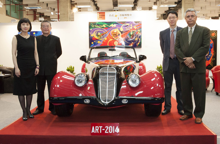 A.R.T. Chairperson Carol Chou, Lee Sun-Don, John Cheng, and Alfred DiMora with the first DiMora Vicci 6.2 Emperor Convertible at Art Revolution Taipei 2014